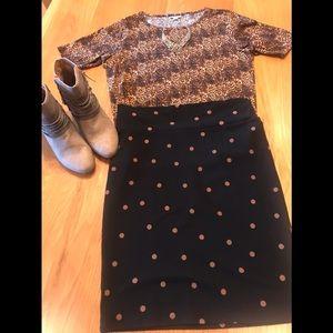 Two piece LuLaRoe outfit. Lg Cassie/2XL GiGi